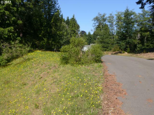 1553 Cedar Ave 2, Coos Bay, OR - USA (photo 3)