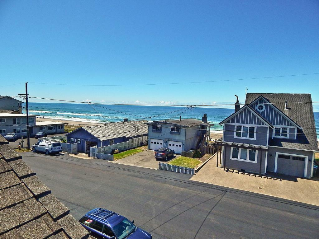 3244 Sw Anchor Ave, Lincoln City, OR - USA (photo 5)