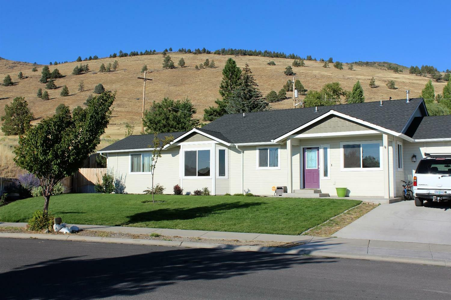 917 Carlson Drive, Klamath Falls, OR - USA (photo 1)