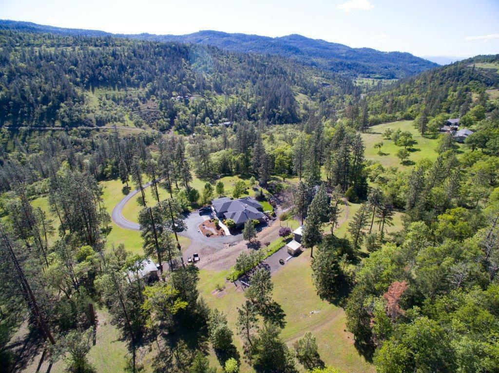9481 East Antelope Road, Eagle Point, OR - USA (photo 1)