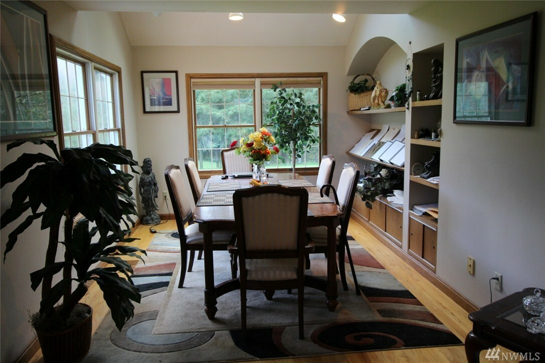555 Hazel Dell Rd, Castle Rock, WA - USA (photo 2)