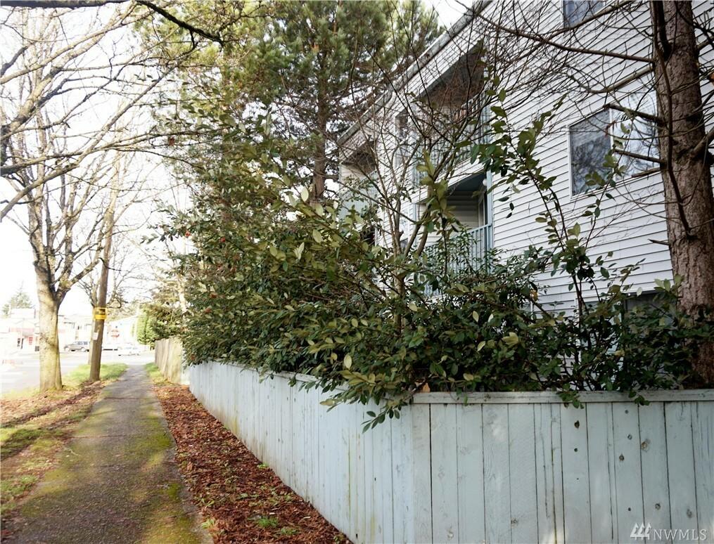 9010 Henderson Place 201, Seattle, WA - USA (photo 1)