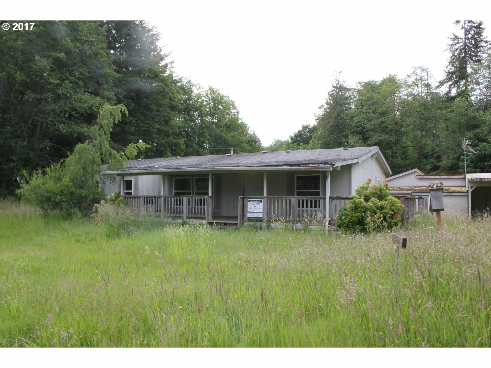 clatskanie singles Plenty of privacy on this beautiful 1716 acres just outside of clatskanie and also borders hwy 30 & hwy 47  style: single family residence agent contact.