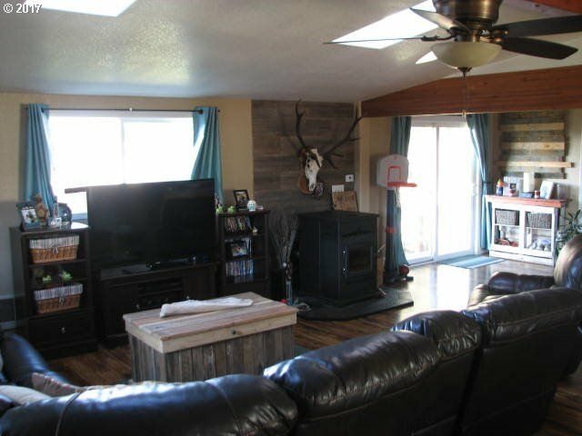 470 3rd Ct, Coos Bay, OR - USA (photo 3)