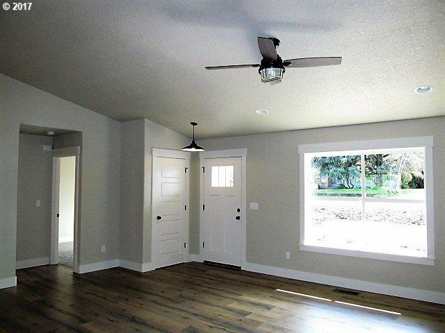 1510 Miller Ave, Dallas, OR - USA (photo 2)