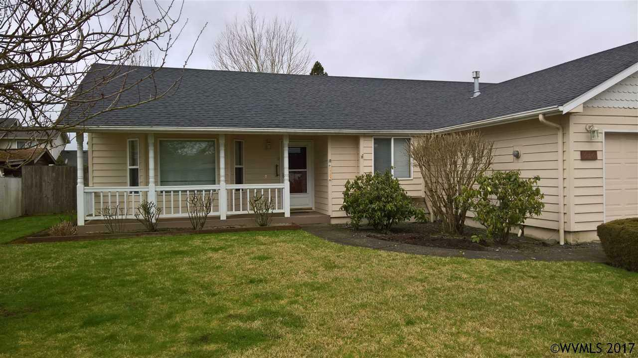 636 S 11th St, Independence, OR - USA (photo 2)