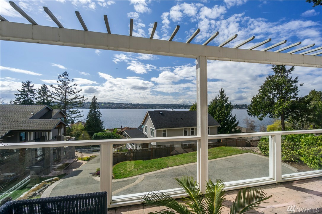 11125 Champagne Point Rd Ne, Kirkland, WA - USA (photo 1)