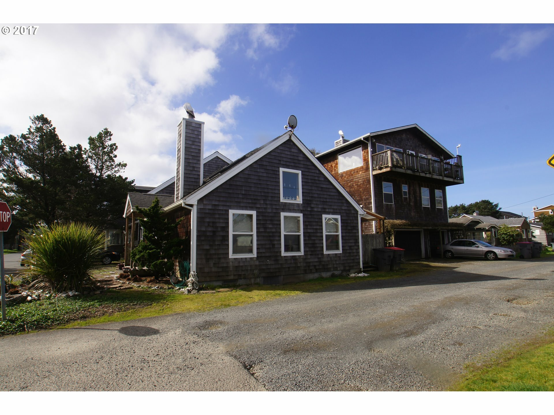 335 14th Ave, Seaside, OR - USA (photo 1)
