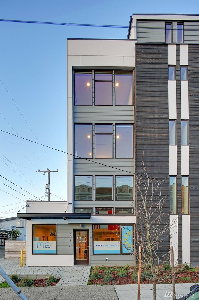 4306 Sw Walker St, Seattle, WA - USA (photo 2)