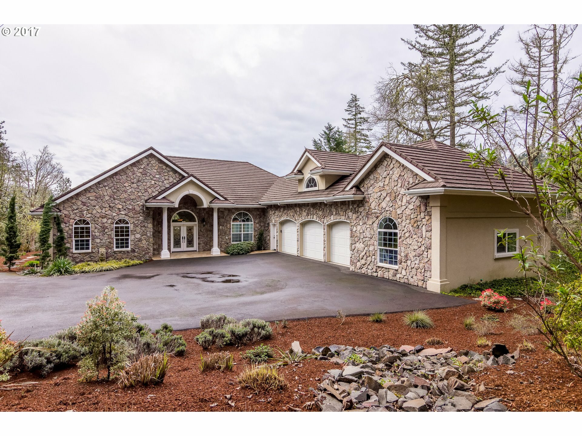 32825 Kestrel Ln, Eugene, OR - USA (photo 1)