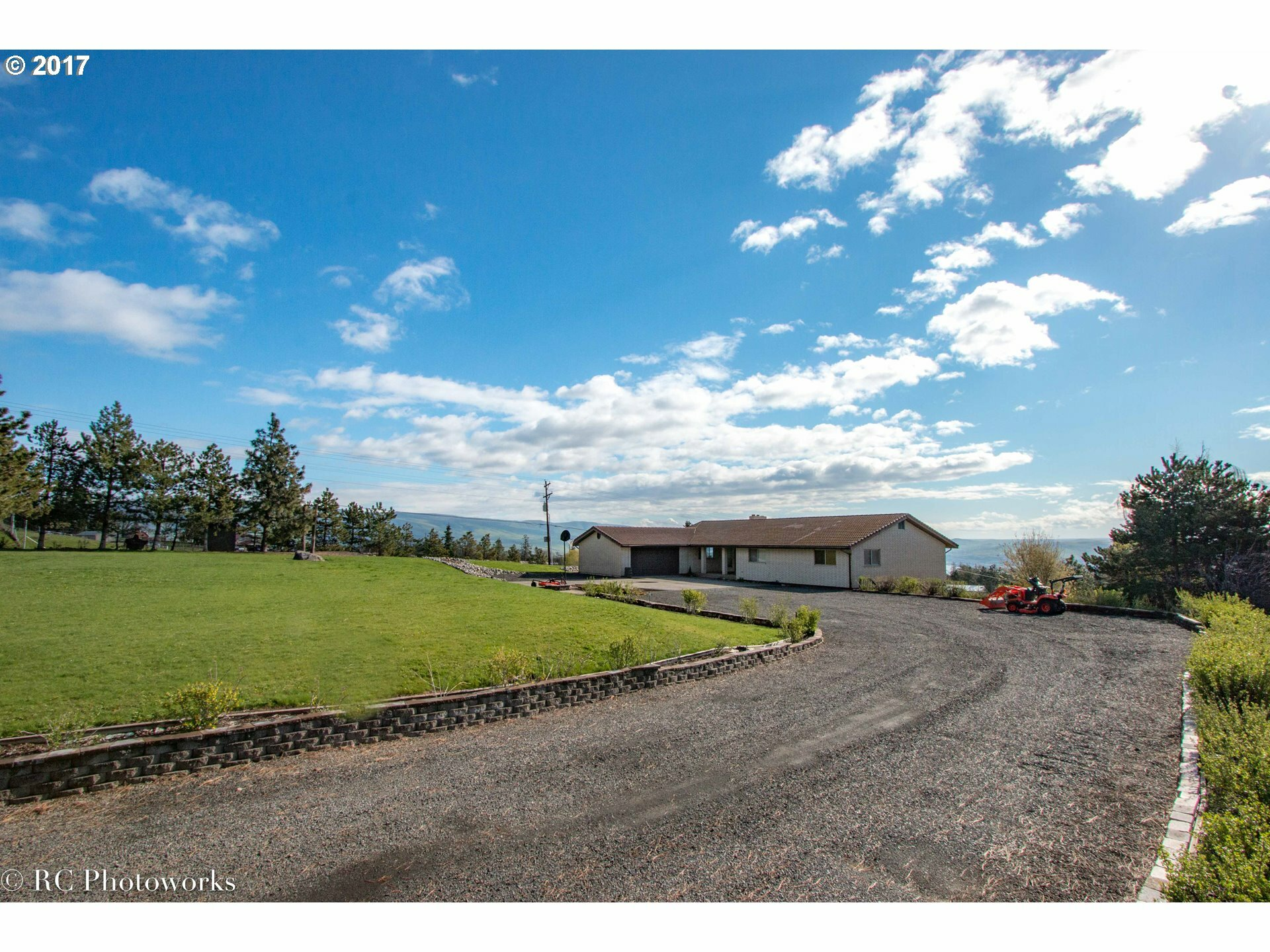 5044 Anderson Way, The Dalles, OR - USA (photo 2)