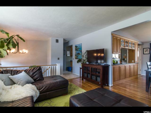 1055 E Chevy Chase Dr, Murray, UT - USA (photo 4)