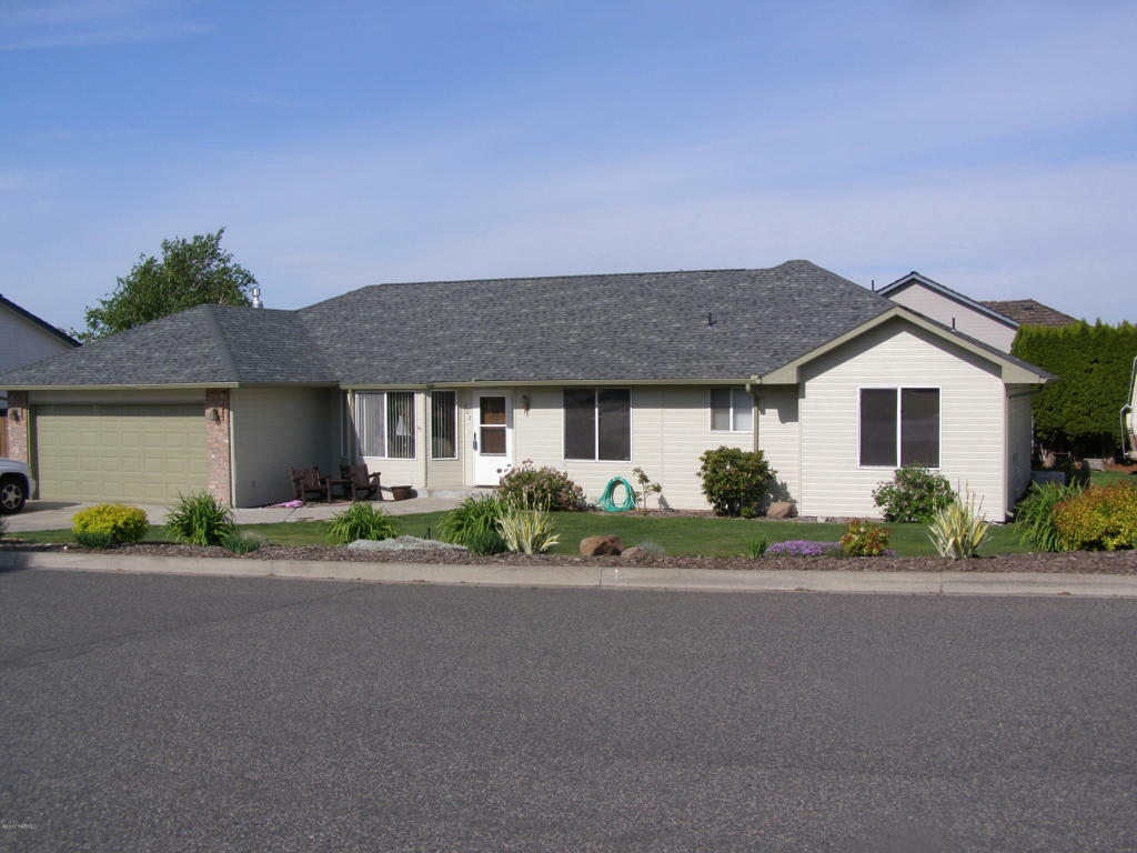 302 N 57th St, Yakima, WA - USA (photo 1)