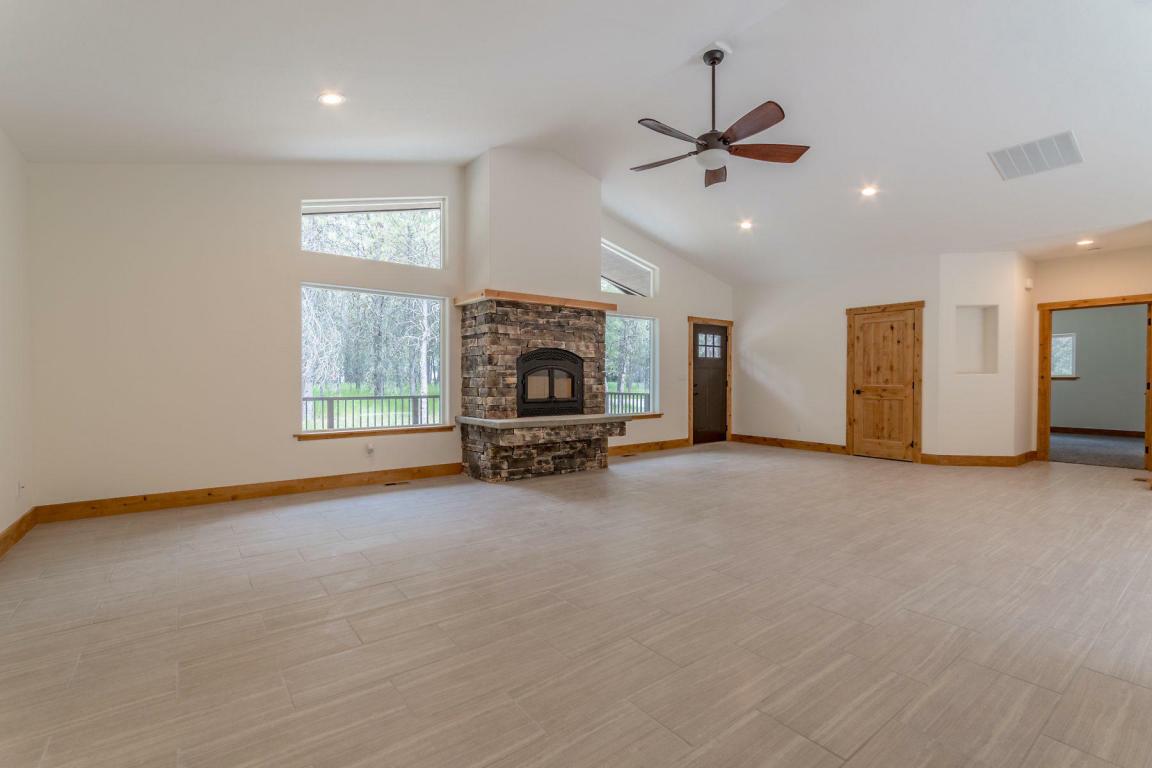 31775 N Wester Ranch Rd, Athol, ID - USA (photo 4)