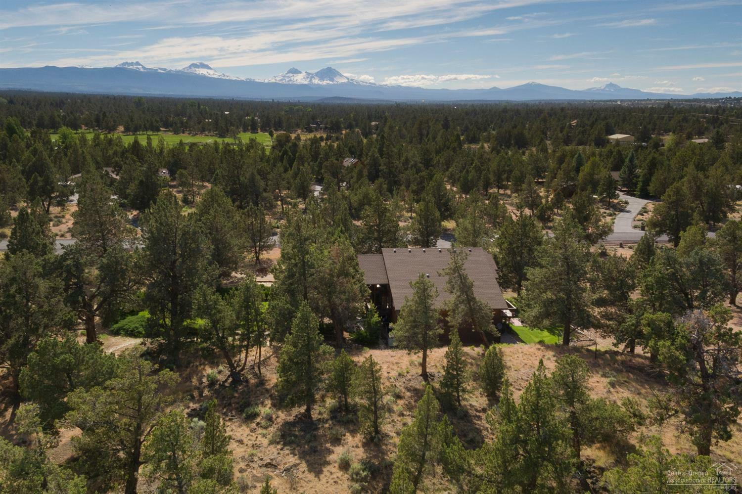 64604 Boones Borough Drive, Bend, OR - USA (photo 2)