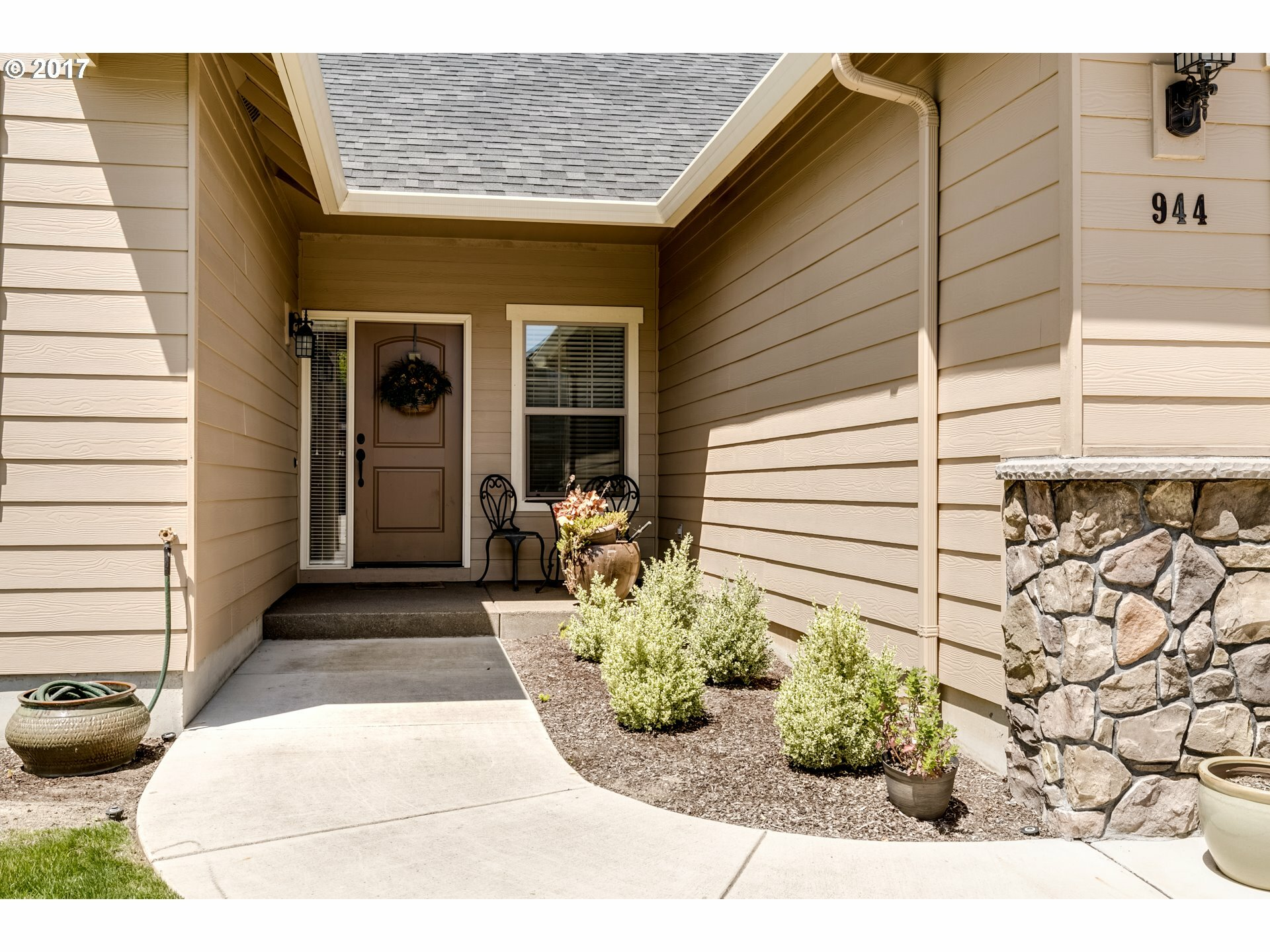 944 Kaylee Ave, Junction City, OR - USA (photo 3)