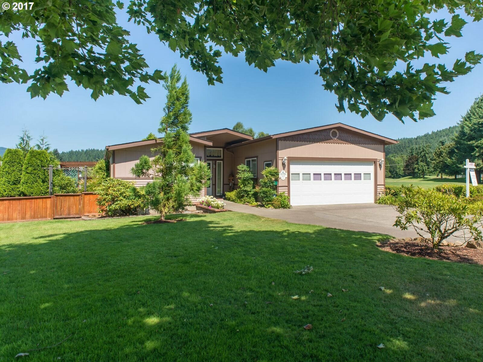 101 Village Dr, Cottage Grove, OR - USA (photo 1)