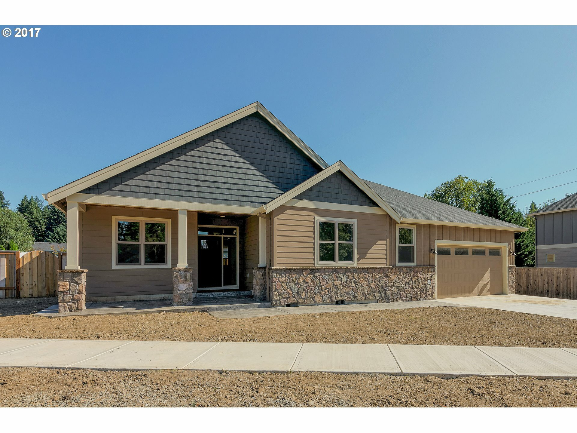 1430 Ne 17th Ave, Canby, OR - USA (photo 1)
