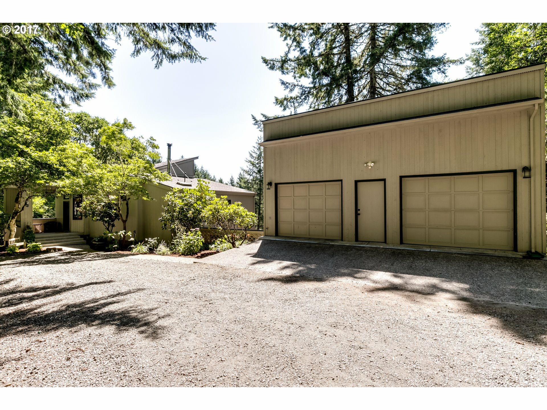 24556 Lake Hills Dr, Junction City, OR - USA (photo 3)
