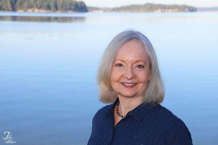 Carolyn Vivian