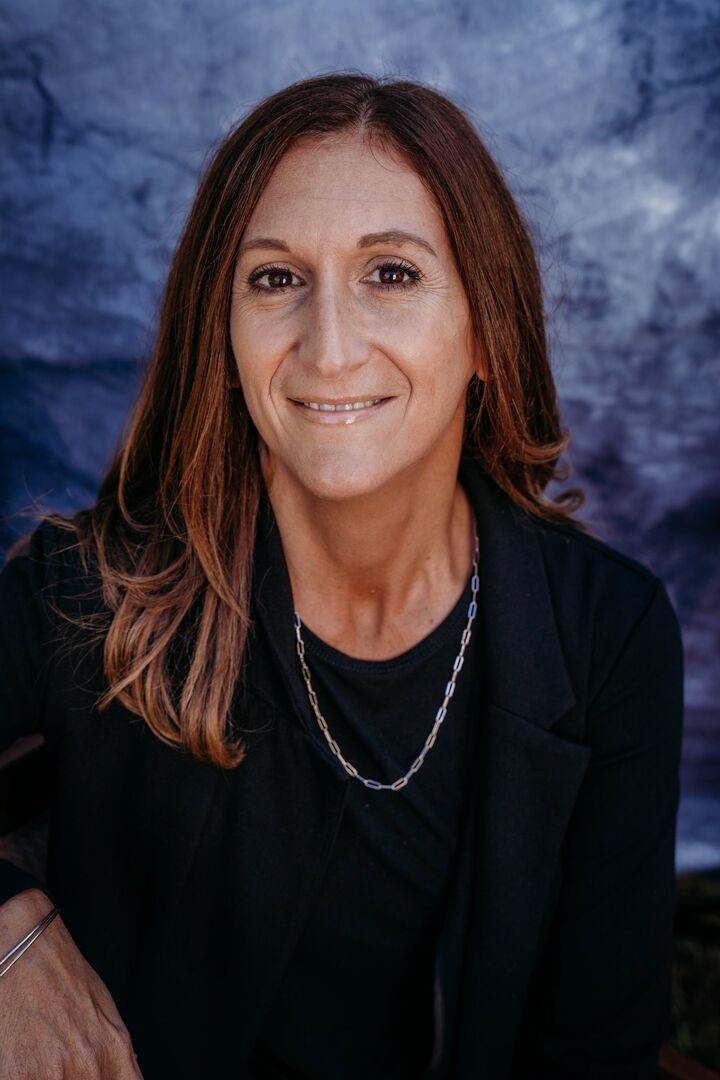 Laura Grezner