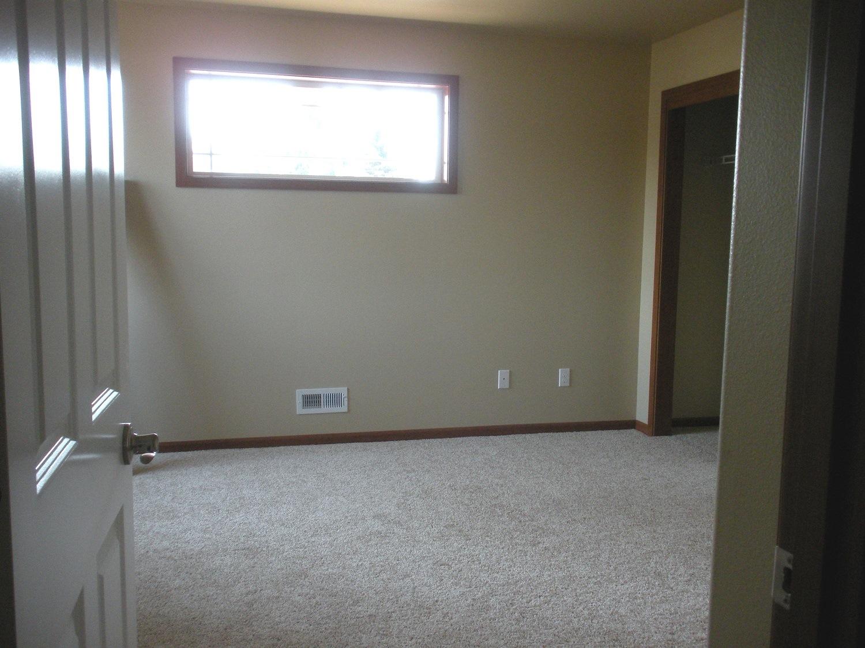 Interior photos (photo 4)