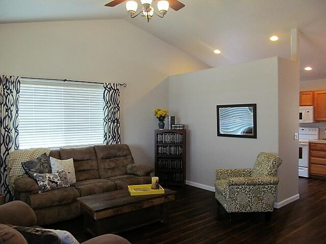 332 Foxglove St, Dallas, OR - USA (photo 2)