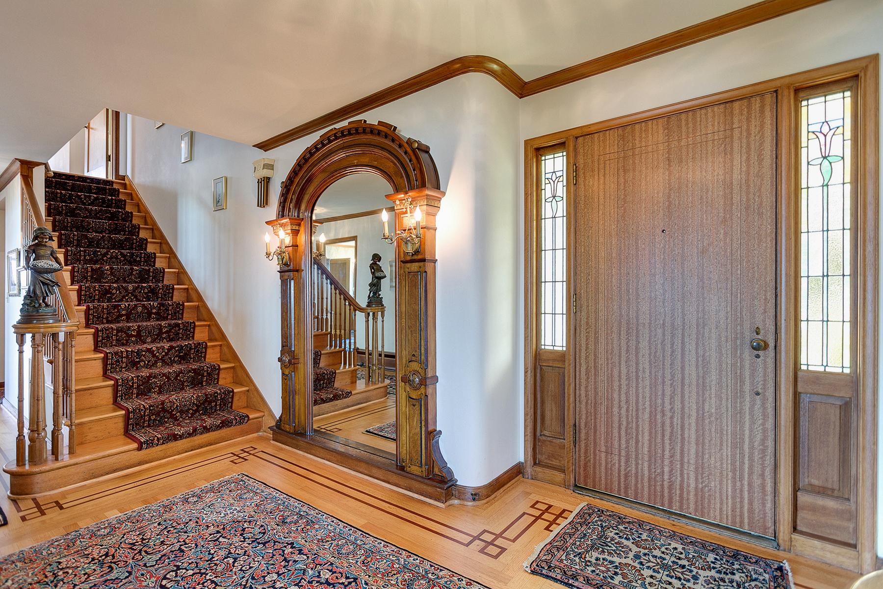 Elegance defines this spacious mid-century rambler (photo 5)